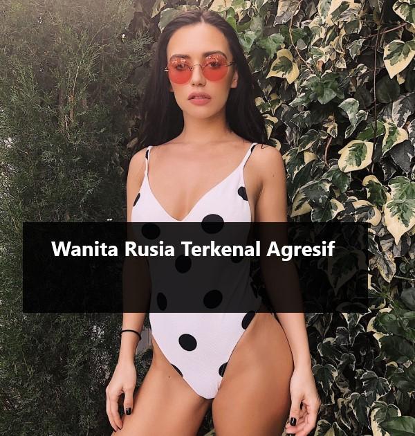 Cewek Russia Pintar Memasak